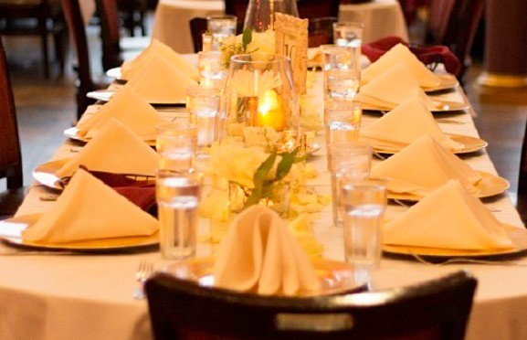 Table setting 577x385